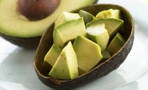 Read more about the article 5 Reasons Why You Should Eat An Entire Avocado Every Day