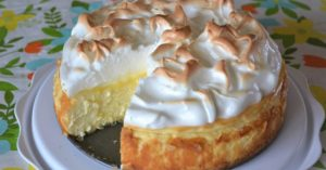 Read more about the article Lemon Meringue Cheesecake Recipe