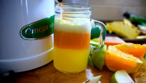 Read more about the article Say Goodbye To Pain in Your Joints, Legs and Spine with this Simple Juice Recipe