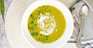 Read more about the article Gut-Healing Garlic Asparagus Broccoli Soup Recipe